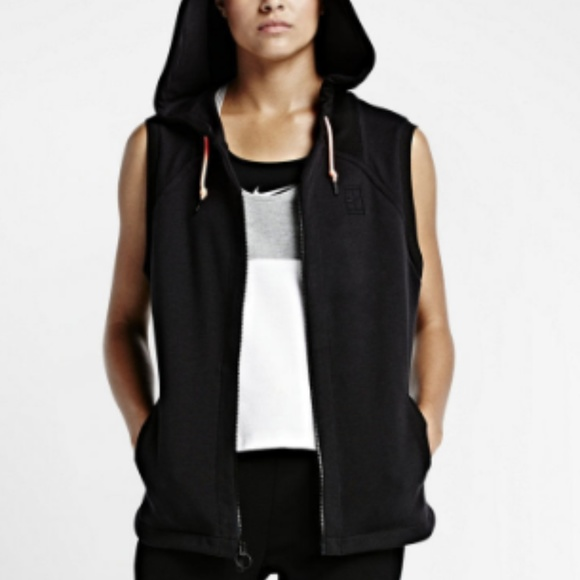 7d4f29a3e237 Nike Court Hooded Sleeveless Tennis Vest